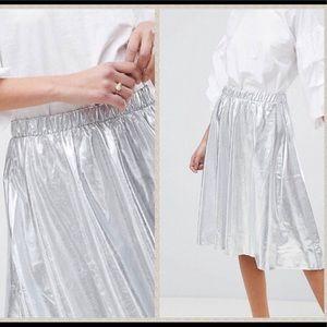 NWT vila silver metallic vegan leather midi skirt